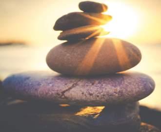 balancing rock formation 816377